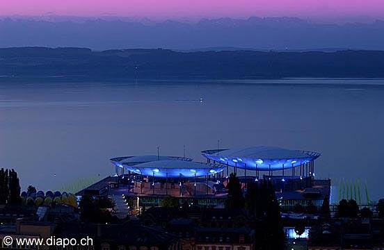 72 - Arteplage de Neuchâtel de nuit