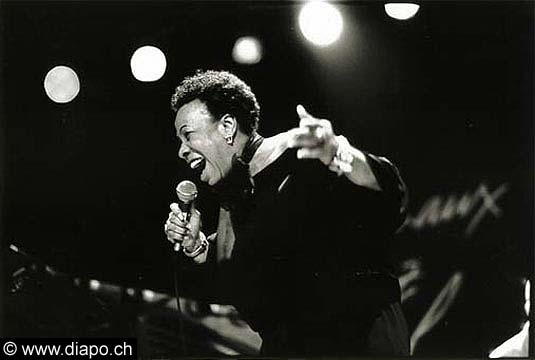 737 - BETTY CARTER