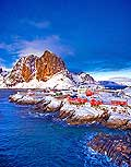 11192 - Photo :  Norvège,  Arctique, îles Lofoten, île de Moskenesoy, village de pêcheurs de Hamnoy près de Reine
