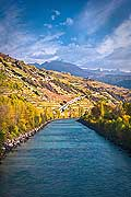 12005 - Photo: Suisse, Valais, vignoble de Sion avec le Rhône, switzerland, swiss wines - wein, schweiz