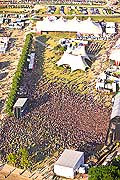 12213 - 33em Paléo festival de Nyon - 2008, Photo de musique, spectacle et concert - vue aérienne