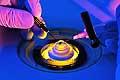 12798 - Laboratoire de lentilles de contact labo ophtalmologie - Science Lab using a Microscope Lab technician in clean suit