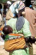 3560 - Nord Cameroun - femme et enfant
