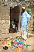 3574 - Nord Cameroun - l'entrée d'une case