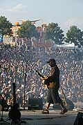 4175 - Photo : Paléo festival 2004 - Les Hurlements d'Elo