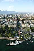 4422 - La ville de Genève vue du ciel