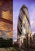 5041 - Photo : Londres, Angleterre - building Swiss Re, 300 millions de livres...