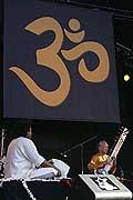 7716 - Photo de musique, spectacle et concert : Ravi Shankar - Paléo festival de Nyon - 2005