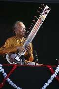 7717 - Photo de musique, spectacle et concert : Ravi Shankar - Paléo festival de Nyon - 2005