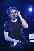 7722 - Photo de musique, spectacle et concert : Vincent Delerm au Paléo festival de Nyon - 2005