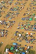 7995 - Suisse - Paléo festival de Nyon  - vue aérienne du camping