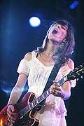 8018 - Photo de musique, spectacle et concert : Feist au Pal�o festival de Nyon - 2005