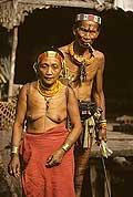 9435 - Photo : Hommes-fleurs, Mentawais, île de Siberut, Indonésie