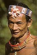 9437 - Photo : Hommes-fleurs, Mentawais, île de Siberut, Indonésie