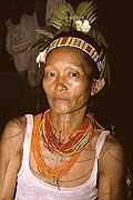 9440 - Photo : Hommes-fleurs, Mentawais, île de Siberut, Indonésie