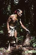 9476 - Photo : Hommes-fleurs, Mentawais, île de Siberut, Indonésie