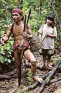 9496 - Photo : Hommes-fleurs, Mentawais, île de Siberut, Indonésie